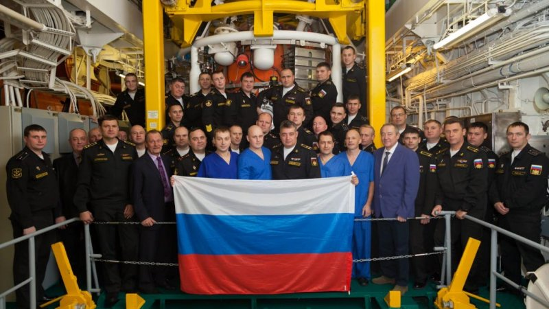 Divers, crew of Igor Belousov rescue ship, and Russian Navy experts. November 18, 2018