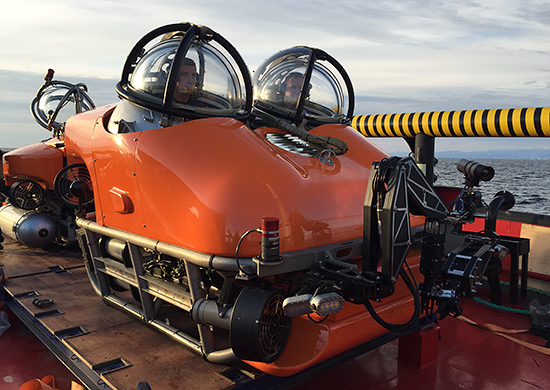 Manned autonomous underwater search-and-rescue vehicles ARS-600