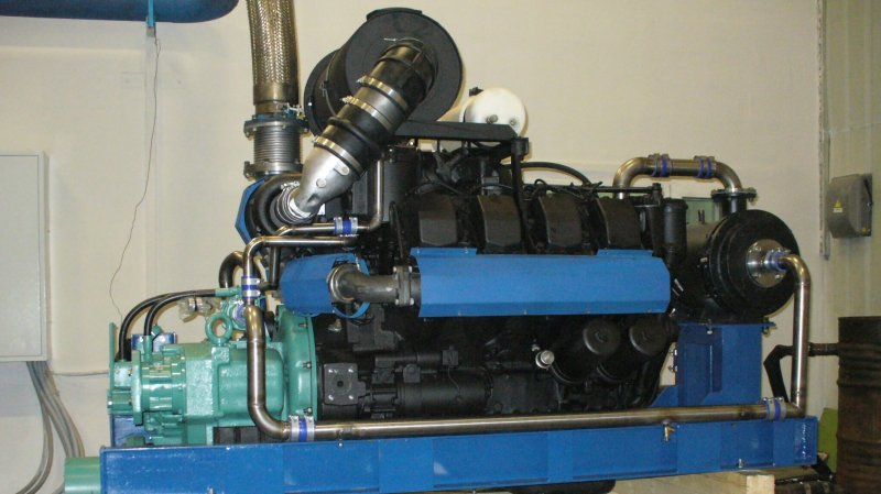 "Marine diesel geared unit series DRA-TMZ ""Reka-400"""