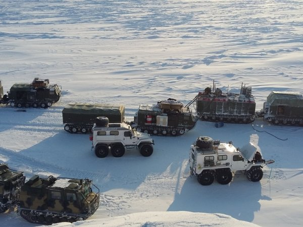 Trekol rovers at the Russian military's Arctic trial 2017