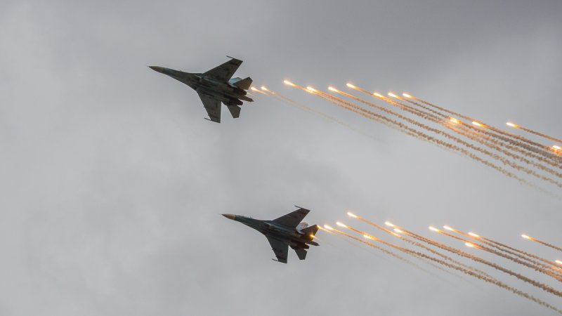Su-27 multirole fighters